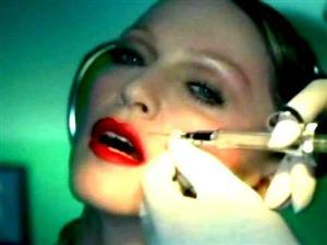 Botulino: piccole iniezioni contro le rughe d'espressione