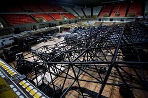 Crollo palco per concerto Pausini: il secondo in tre mesi