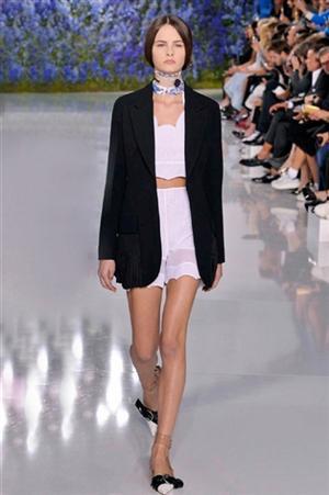 Moda Primavera Estate 2016 La Dior Vague