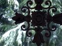 CLICK PER INGRANDIRE | TITOLO: Croce di fiori metallici